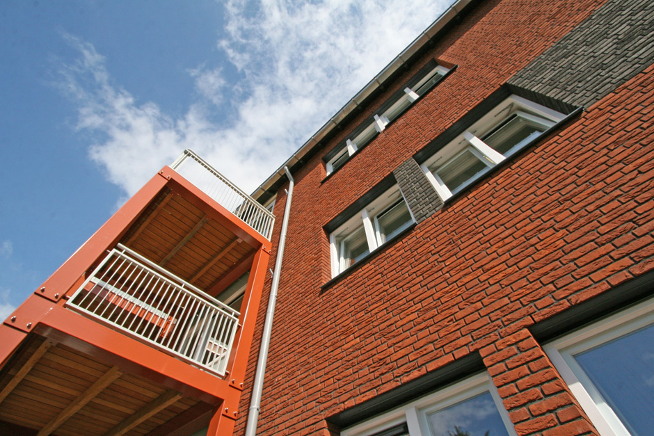 Idioom Architecten - Hilversum revitalisatie en renovatie van portiekflats aan de J. Roggeveenstraat 3-145 en W. Bontekoestraat 2-24 (voor de Alliantie Gooi- en Vechtstreek).
