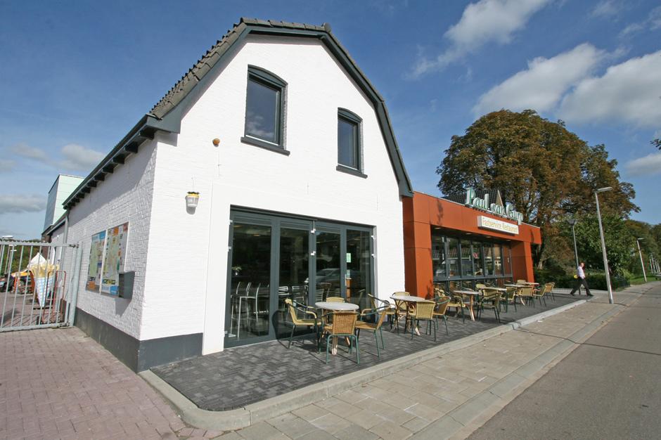 Idioom Architecten Deventer - uitbreiding en verbouwing cafetaria Paul van Gurp aan de Holterweg 91